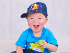 西安江先生夫妇找代孕喜得二胎